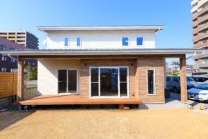 パッシブデザインにより、自然の力を暖房に使えて、夏の日差しも家に入れないデザインになっています。
